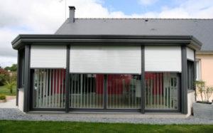 veranda avec volets roulants